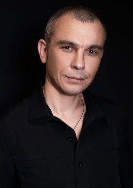 стоматолог Дячук Андрій Петрович